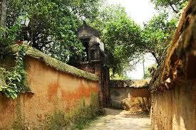 Đường và hạ tầng ngoài chùa Bổ Đà