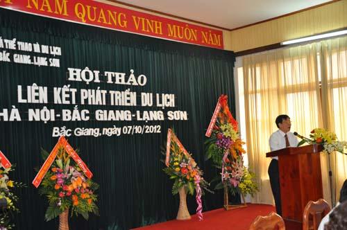 Ông Trương Minh Tiến - Phó Giám Đốc Sở VHTT&DL Hà Nội phát biểu tham luận tại Hội Thảo
