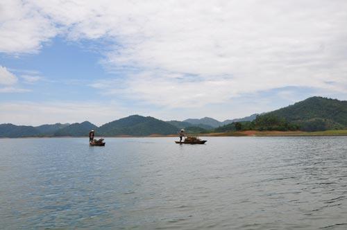 Hồ Cấm Sơn BG( ảnh XS)