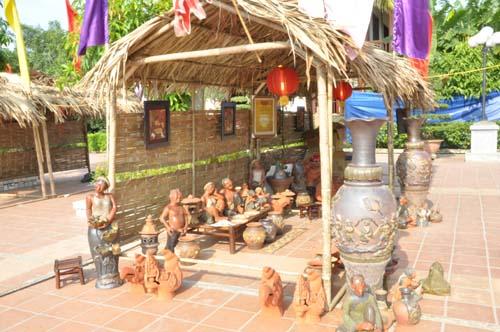 Sản phẩm gốm Làng Ngòi( ảnh Văn Dương)