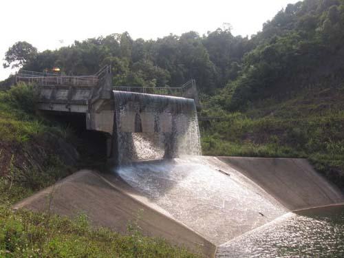 Đập hồ Khe Chão